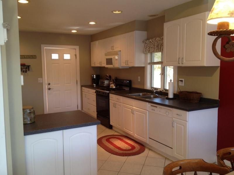 Bright, updated kitchen - Gorgeous Waterfront Home with Wifi & Sandy Beach 107352 - Ossipee - rentals