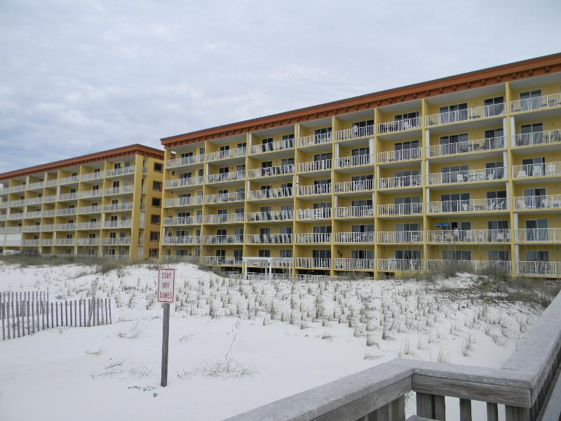 Gulf Dunes 105 - Book Online!  Low Rates! Buy 4 Nights or More Get One FREE! - Image 1 - Fort Walton Beach - rentals