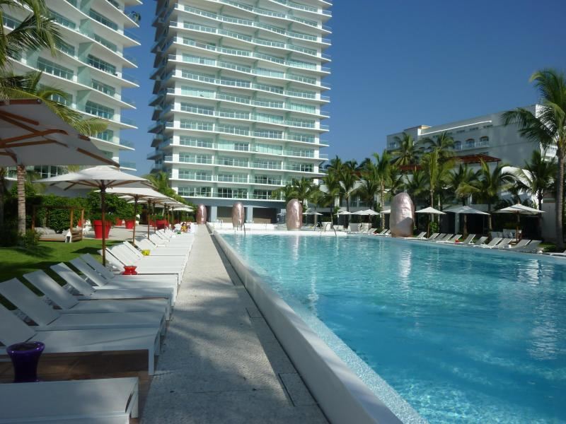 Modern 20th Floor ICON Condo w/ Ocean View - Image 1 - Puerto Vallarta - rentals