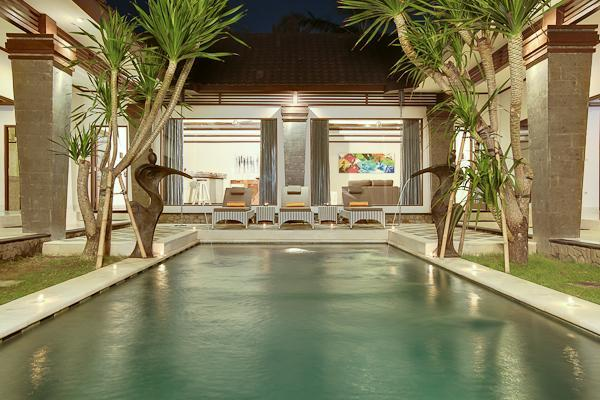Swimming Pool with view on the living Area - Villa Aramis by the Beach & VIP Club Membership - Seminyak - rentals