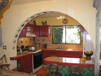Kitchen with Breakfast Bar - Casita Verde - San Miguel de Allende - rentals