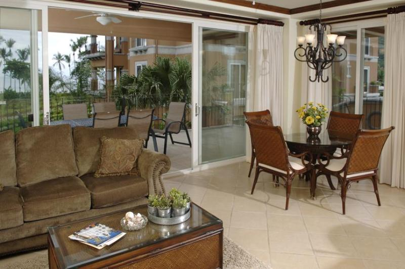 Living and Dinning Room - Bay Residence 8C - Herradura - rentals