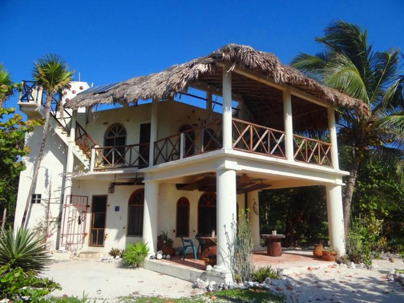 Casa del Cielo de las Estrellas. Spacious balcony and terrace face the beach.  - Charming Beach Villa Snorkeling-Fishing-Kayaking - Majahual - rentals
