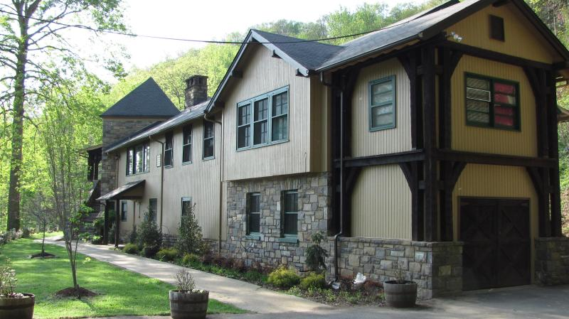 Tuckasiegee River Mountain Lodge - Image 1 - Whittier - rentals