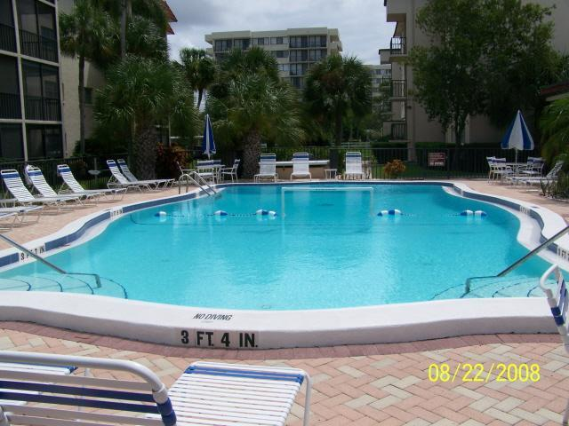 Heated Pool - Gorgeous condo across from Siesta Key Beach - Siesta Key - rentals