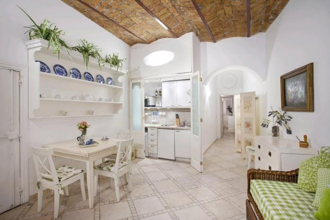 A cosy apartment in the heart of the historic district within a stone's throw of Piazza Navona. - Image 1 - Rome - rentals