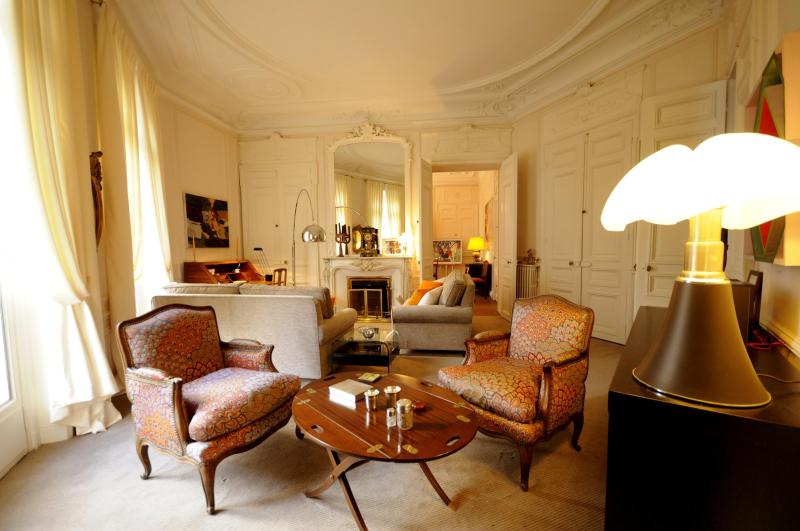 Luxurious living room - Haussmann Palace - by Holidays France Rentals - Paris - rentals