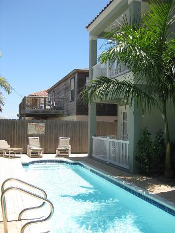 3 EMERALD BREEZE - 2 Bedroom/2 Bath Condo - Image 1 - South Padre Island - rentals