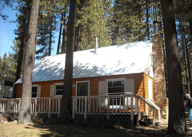 Bobby Grey Cabin, Tahoe, exterior - Darling Heavenly Valley Log Cabin! - South Lake Tahoe - rentals
