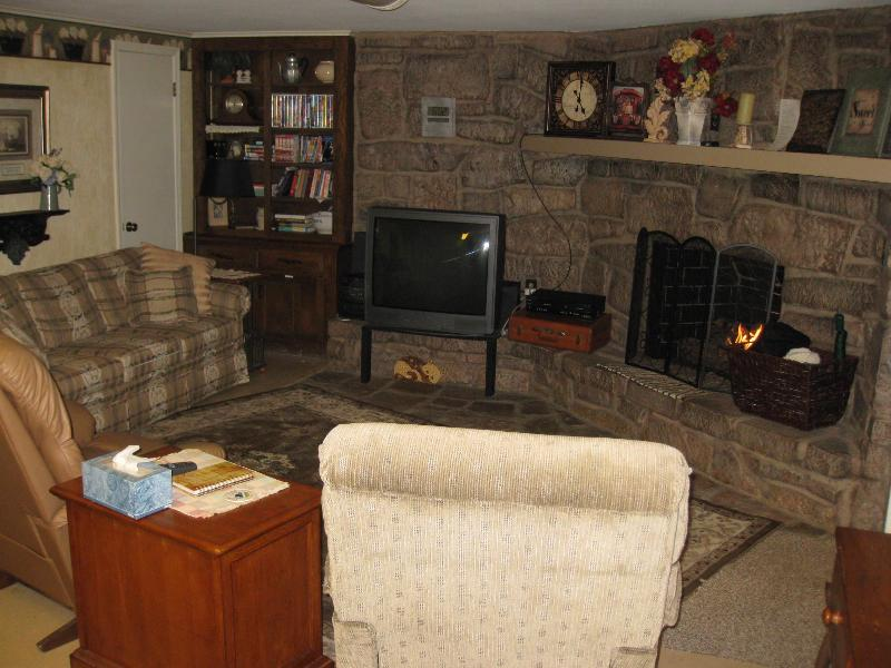Cozy,Comfortable,Convenient, Bungalow in the Woods - Image 1 - Tulsa - rentals