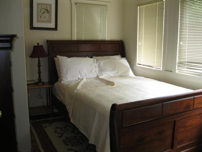 Room #1 - 3 bedroom house near downtown Asheville! - Asheville - rentals
