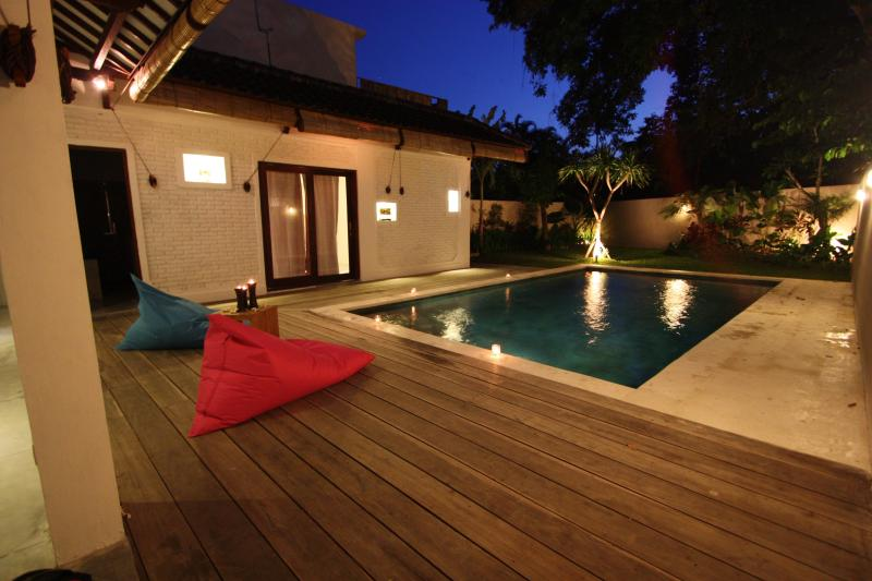 Bali, charming villa 3 bedrooms in center seminyak - Image 1 - Seminyak - rentals