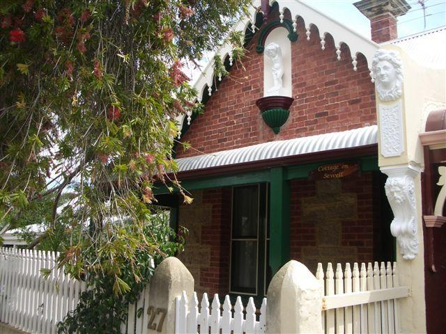 Welcome To our Cottage - Cottage On Sewell - East Fremantle - rentals