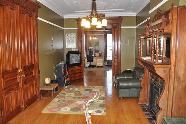 Parlor Floor - Mag. 3BR Brownstone Garden Apt in trendy Brooklyn - Brooklyn - rentals