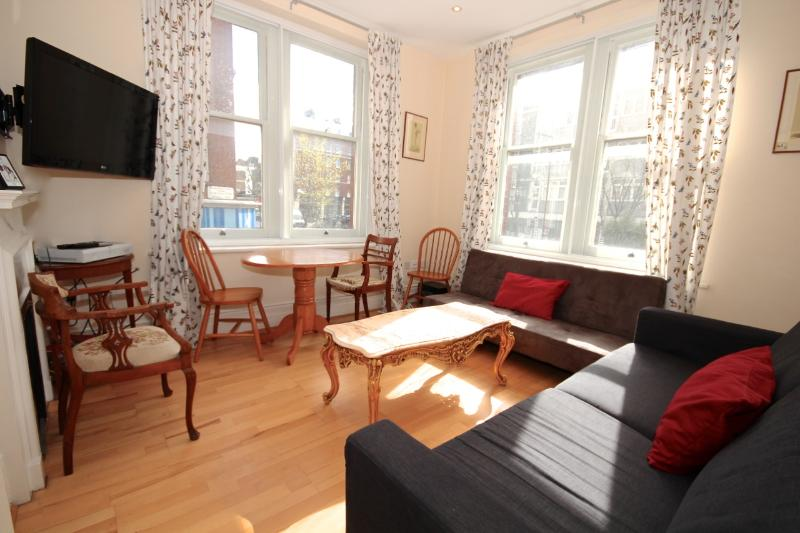 2BR - Notting Hill/Kensington - AA01 - Image 1 - London - rentals