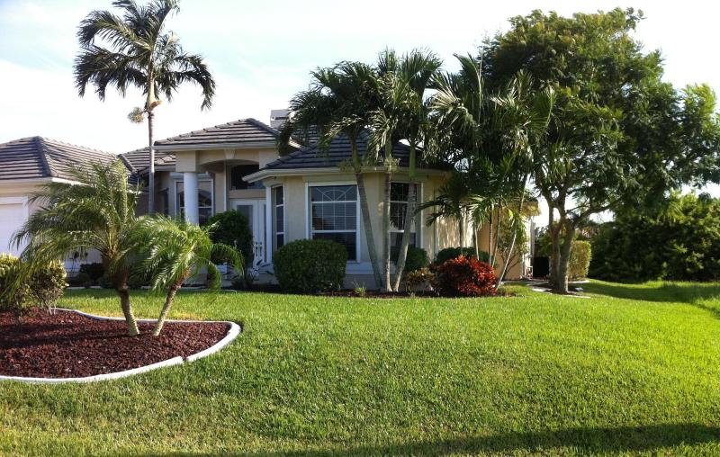 Villa La Belle - Romantic Waterfront Home - Image 1 - Cape Coral - rentals