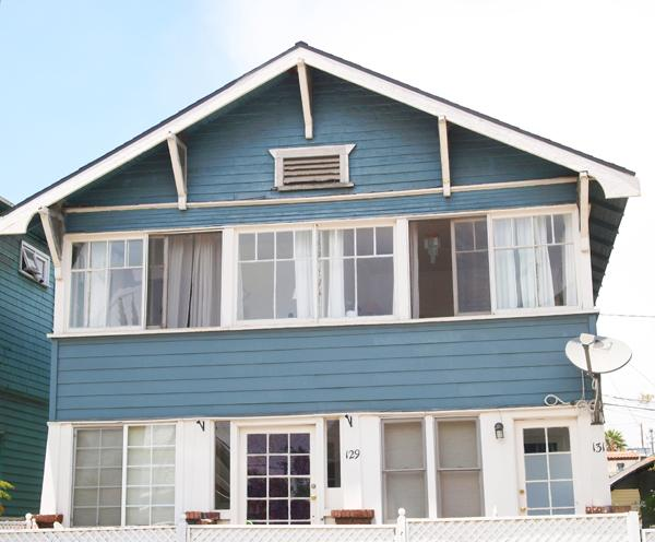 Front View of 1907 Craftsman. Unit upstairs R side - Bright & Charming 1BR Venice Beach Apartment - Free Bikes to Use During Your Stay! - Prime Location - Venice Beach - rentals