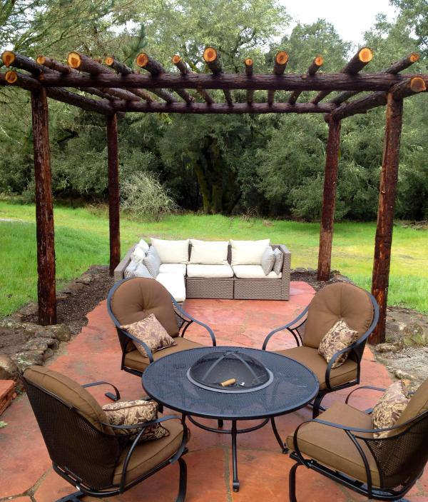 The Pergola Is Handmade From the Tops Of Redwood Trees From The San Lorenzo Valley. - Call our Mountain Home A Park -- POLITE PETS OK - Santa Cruz - rentals