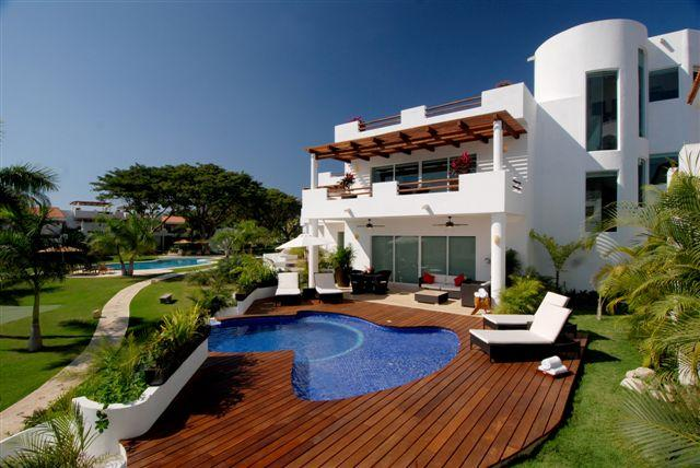PVR - VGRU4 -integrated areas for family and friends to gather, but also provide individual retreats - Image 1 - Puerto Vallarta - rentals