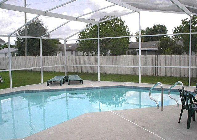 Excellent Vacation Home with Private Pool (fenced for privacy) and free Wi-Fi - Image 1 - Kissimmee - rentals