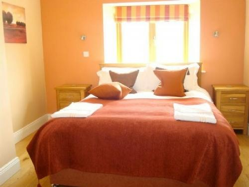 THE COACH HOUSE, Meath Country Cottages, Co Meath, Ireland - Image 1 - County Meath - rentals