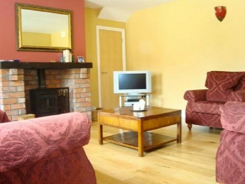 THE BARN, Meath Country Cottages, Co Meath, Ireland - Image 1 - County Meath - rentals