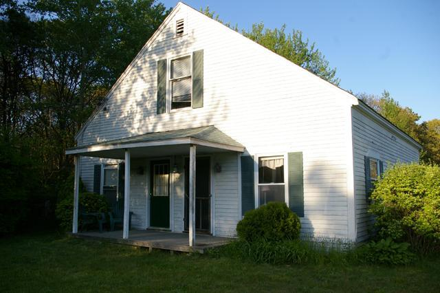 21 Belle Brook Lane - Great location in Harwichport! Foreign J-1 and responsible students welcome. - Harwich Port - rentals