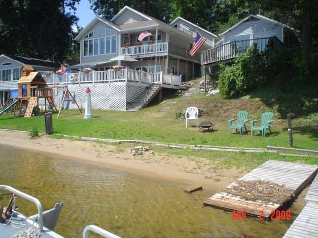 Beautiful view, Great swimming beach, pet friendly - Image 1 - Delton - rentals