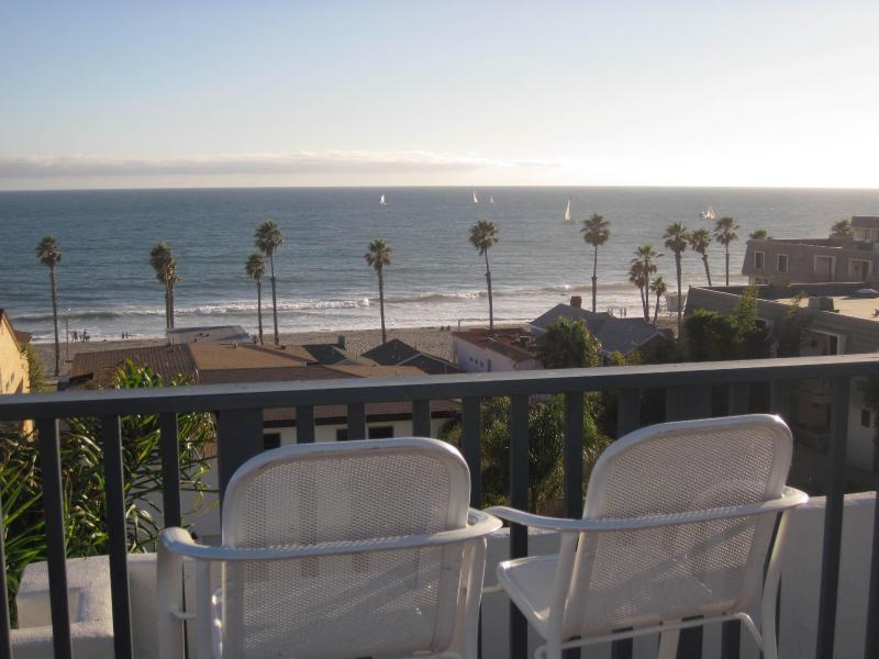 Rooftop view from the condo complex - Newly Renovated 2 Bed 2 Bath Condo 1 Blk to Beach - Oceanside - rentals