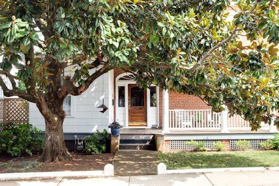 Graves St Magnolia, charming classic Belmont home - Image 1 - Avonmore - rentals
