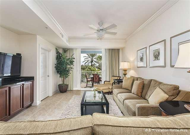 A living room with a view - Yacht Harbor 266, 2 bedrooms, beautifully furnished - Palm Coast - rentals