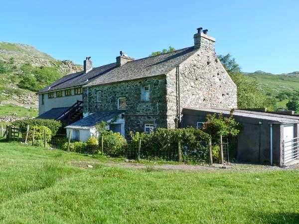 2 HIGH MOSS HOUSE, comfy cottage with open fire, lovely scenic location in Seathwaite, Ref 17670 - Image 1 - Seathwaite - rentals