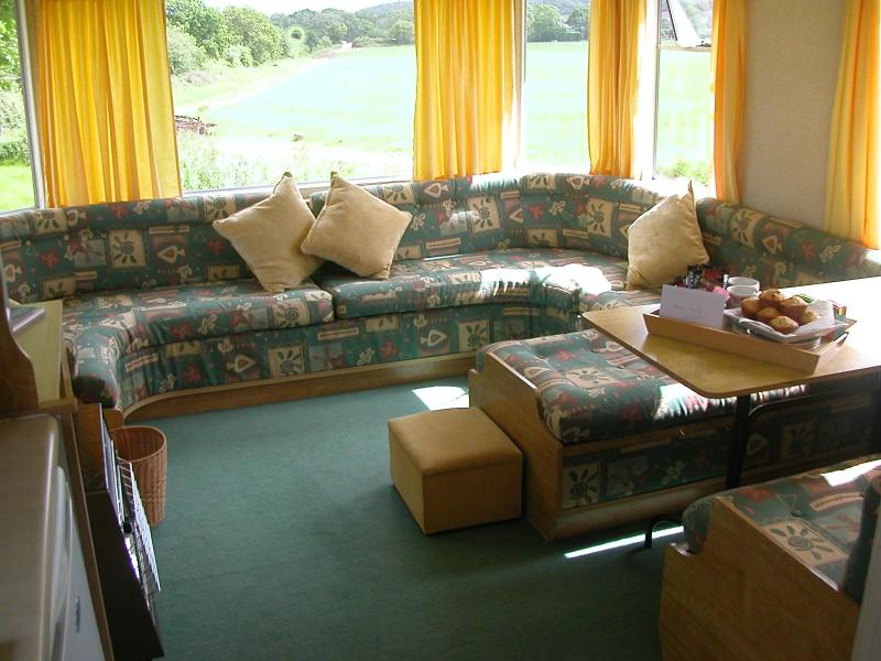 Living and dining area - Self catering holiday home on farm, Dawlish, Devon - Dawlish - rentals