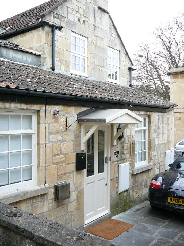Outside The Old Smithy Loft with parking - The Old Smithy Loft,  Bath City Centre - Bath - rentals