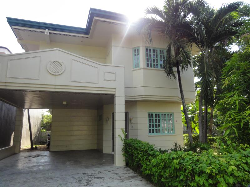 Front of house - Cebu Quality three bedroom house in gated estate - Cebu City - rentals