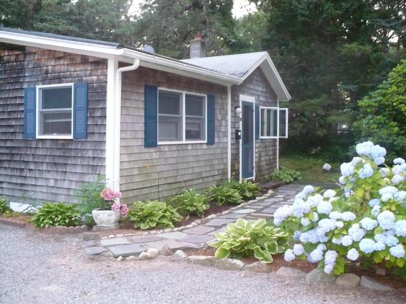 Front / side view - Beach House - End of summer reduced rates - South Yarmouth - rentals
