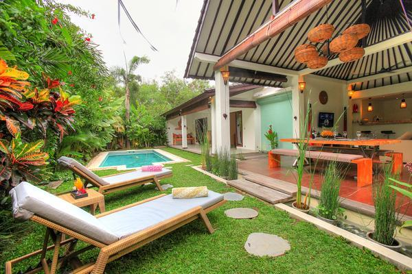 Garden - NICE VILLA  IN PETITENGET WALKING TO THE BEACH - Seminyak - rentals