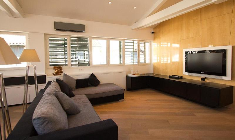 Living room - Luxury Penthouse Downtown - Steps from the Beach - Biarritz - rentals