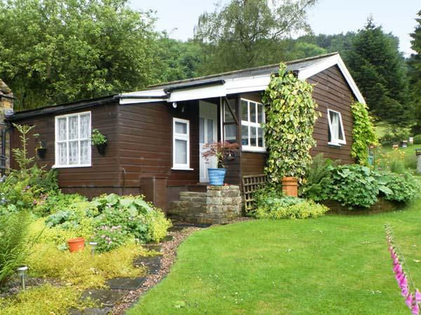 DAMSON CROFT, single storey cottage, two bedrooms, lawned garden, in Lastingham, Ref 14454 - Image 1 - Lastingham - rentals