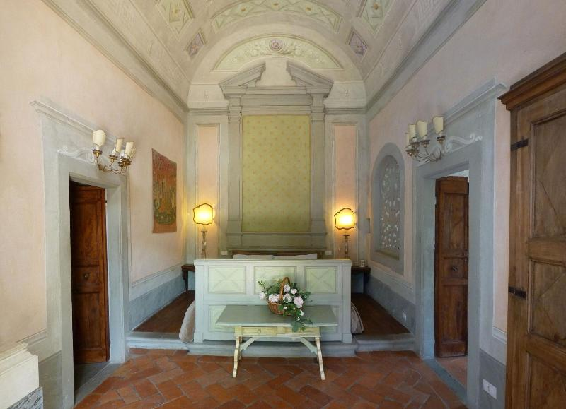 Apartment in villa: refined historic very special - Image 1 - Florence - rentals