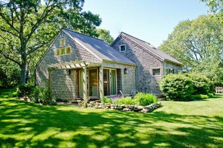 HILLSIDE HIDEAWAY ON BLUEBERRY RIDGE - CHIL VBAR-39 - Image 1 - Chilmark - rentals