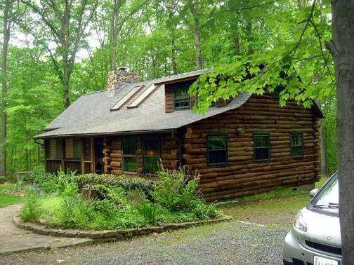 Stony Point Retreat (Log Cabin in an Oak Forest) - Image 1 - Charlottesville - rentals