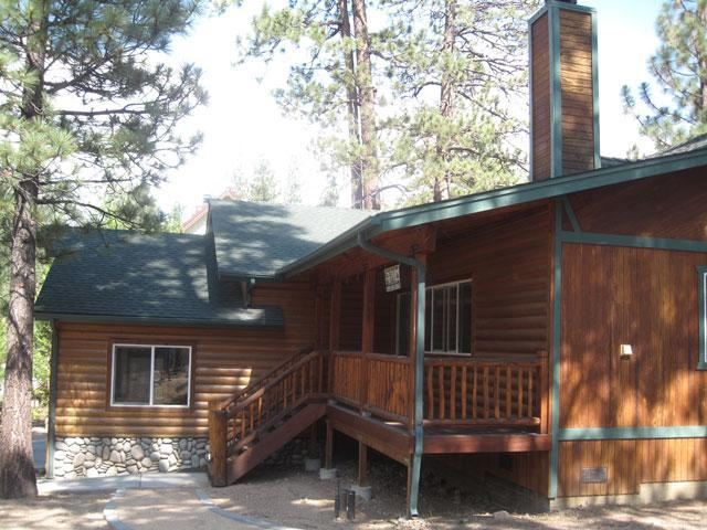 Pine Retreat Cabin - Front  - Near Lake - Family Cabin 3 bd / 2 ba & SPA - Big Bear Lake - rentals