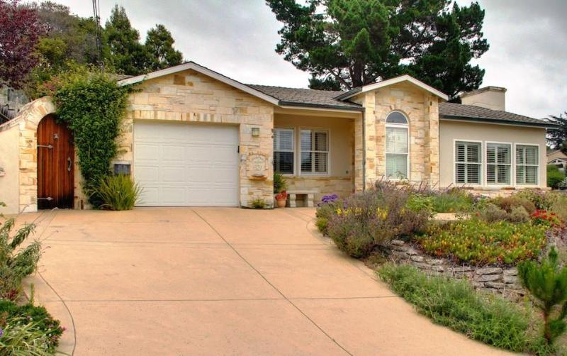 Welcome to 'Avalon'! Large driveway can easily accommodate two or three cars  - 3485 - Beautiful Designer Home, Luxurious Furnishings - Monterey - rentals