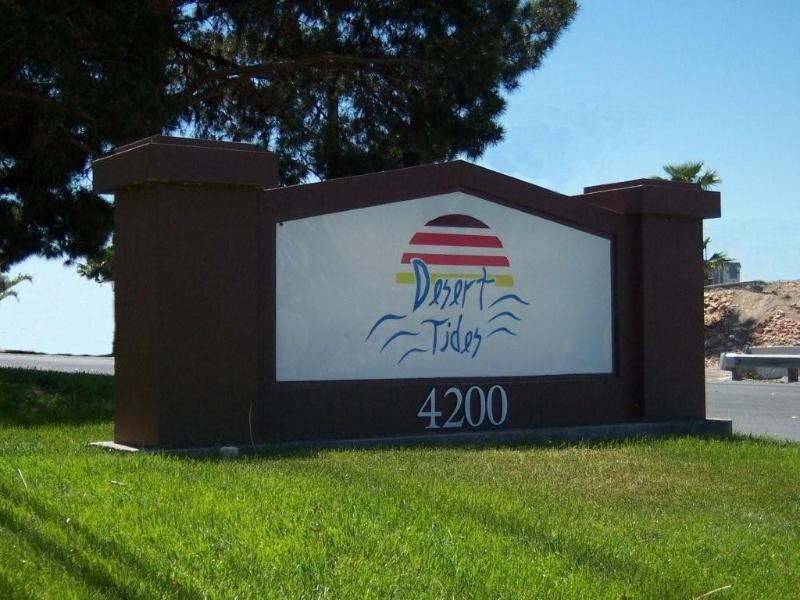 Look for this Sign - Desert Tides, Valley View Condo near The Palms/Rio - Las Vegas - rentals