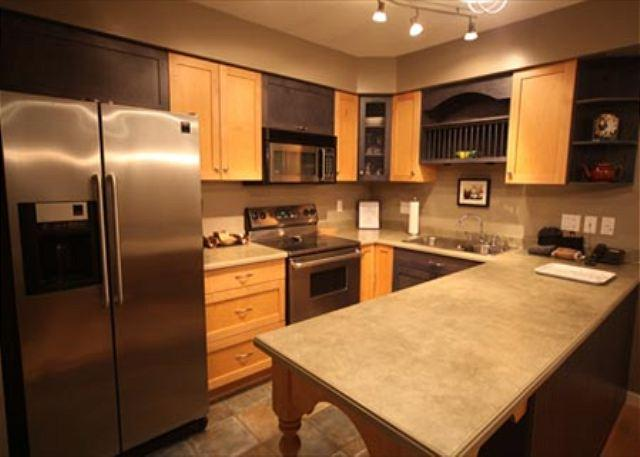 Kitchen - Acer Vacations | Greystone Lodge Quiet Ski-In Ski-Out Two Bedroom End Unit - Whistler - rentals