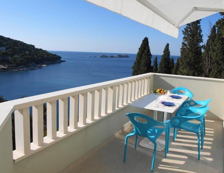 Acqua 2-BR balcony, amazing sea views &parking! - Image 1 - Dubrovnik - rentals