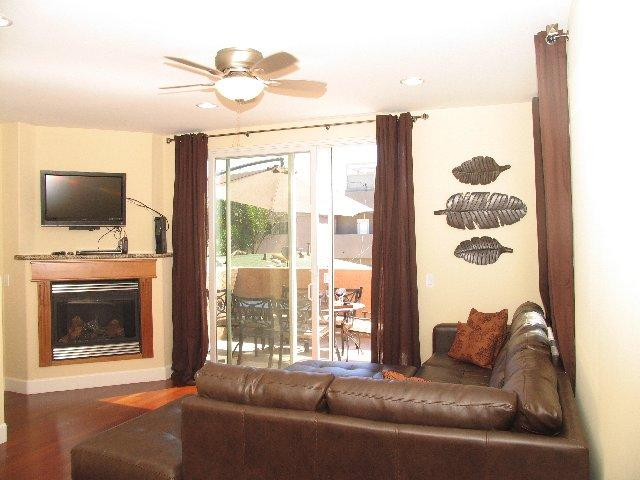 Living Room -  - Queenstown Bay - San Diego - rentals