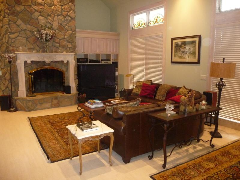 Elegant living room  - EXQUISITE ASPEN HOME WITH PRIVACY AND LOFTY VIEWS! - Aspen - rentals