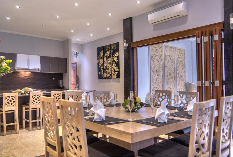8 Seater Dining table - PRIME LEGIAN LOCALE, JUST 300M TO DOUBLE SIX BEACH - Legian - rentals
